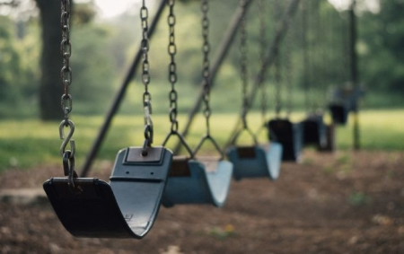 Трагедія під Рівним: на гойдалці знайшли повішеним 9-річного хлопчика