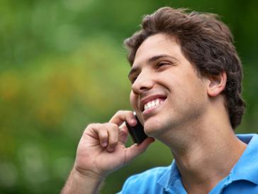 Чому чоловікам не можна розмовляти по телефону більше години на день